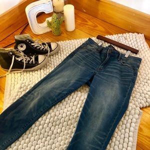 """""""Abercrombie & Fitch"""" high rise ankle jeans"""
